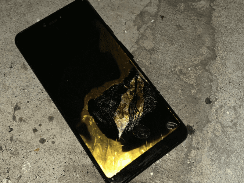 a Pixel 3 XL reportedly caught fire - Phone Plans